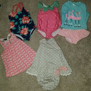 Lot 3 12 months summer clothing for little girls